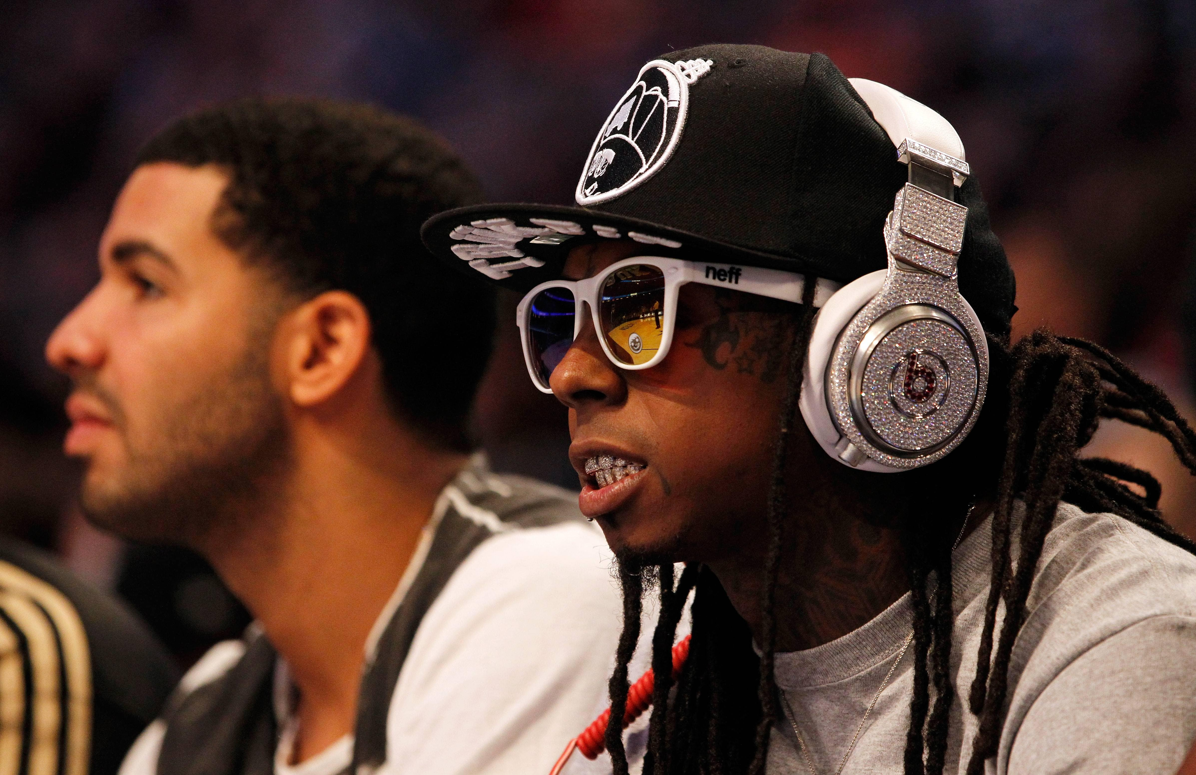 Picture of Lil Wayne wearing Beats by Dre